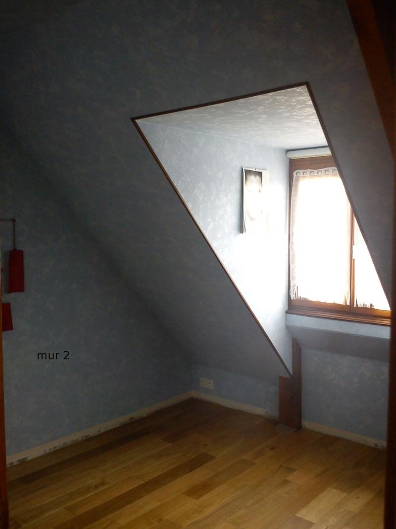 Petite chambre bébé garçon sous combles Dsc00117