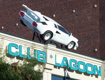 STREET VIEW : Lamborghini Seattle Washington USA Lagoon10