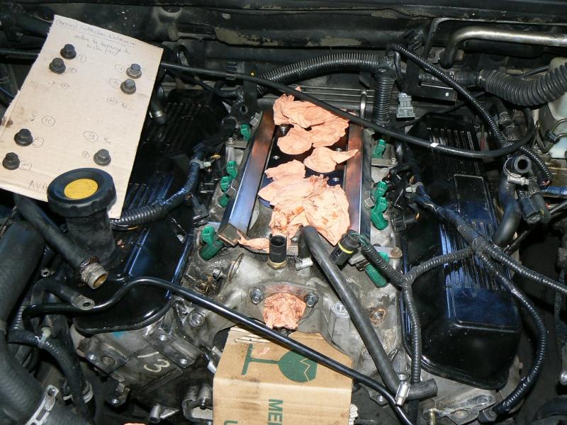 Réfection du haut moteur et de la distribution suite à des ratés cylindres - Page 6 P1040211
