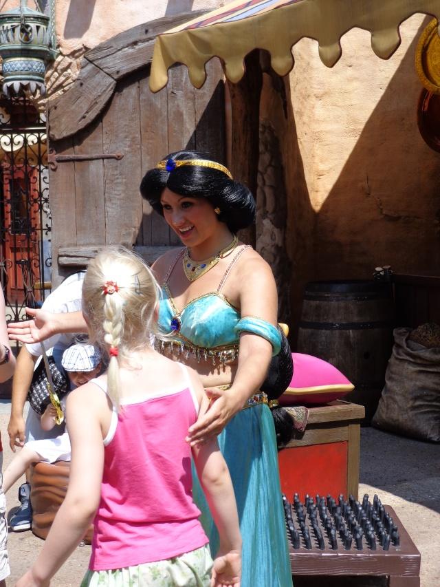 Mandy in Neverland [Mise à jour : Séjour du 23 au 25 novembre 2013 au Kyriad et Sequoia Lodge] Séjour spécial La Belle et la Bête + Noël Enchanté Disney - page 4 - Page 2 Dsc00116