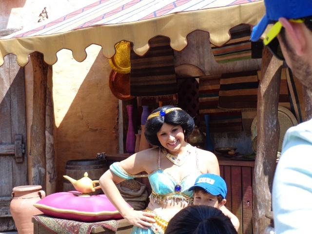 Mandy in Neverland [Mise à jour : Séjour du 23 au 25 novembre 2013 au Kyriad et Sequoia Lodge] Séjour spécial La Belle et la Bête + Noël Enchanté Disney - page 4 - Page 2 Dsc00117