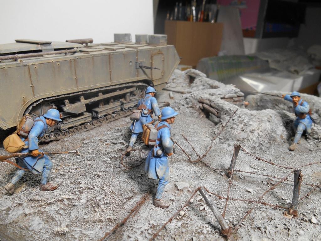 Août 1918 - L'espoir renaît - Saint-Chamond (Takom 1/35e) et figurines HISTOREX 1/32e puis figurines ICM 1/35e R40-ao18