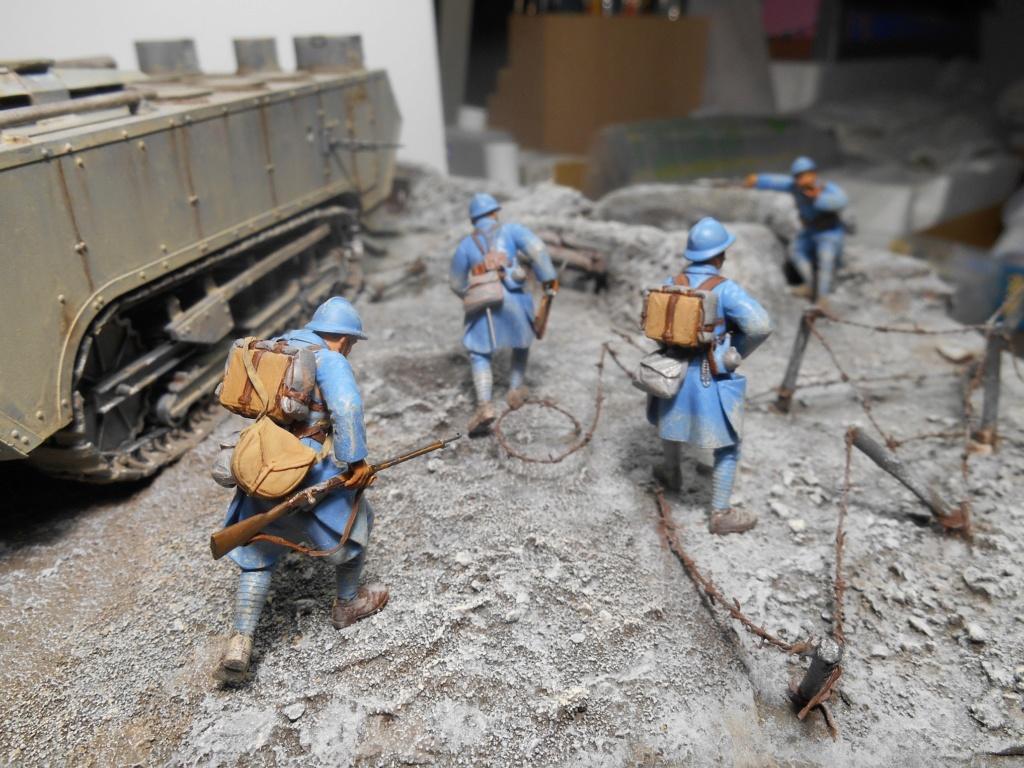 Août 1918 - L'espoir renaît - Saint-Chamond (Takom 1/35e) et figurines HISTOREX 1/32e puis figurines ICM 1/35e R40-ao19