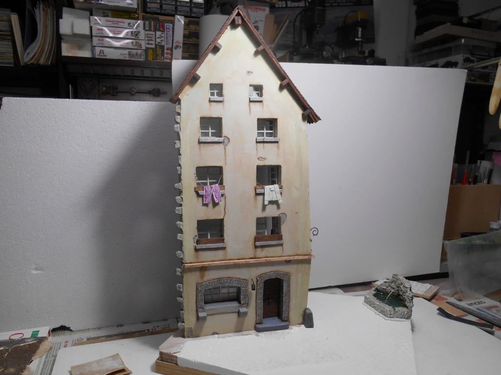 Re: Il était une fois... une maison - Tout scratch - Réalisation sans plan ni cotes au 1/32e R40-ma31
