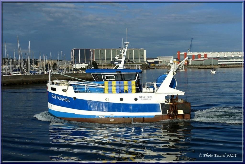 [VIE DES PORTS] Quelques bateaux de pêche (sur nos côtes Françaises) - Page 12 1210