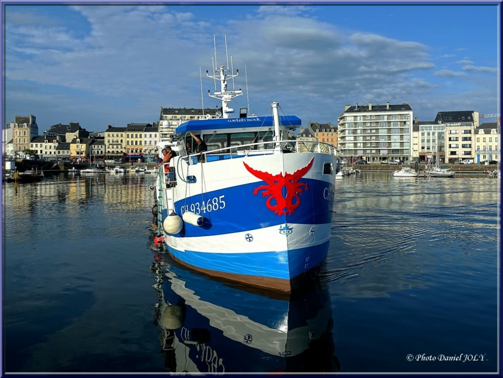 [VIE DES PORTS] Quelques bateaux de pêche (sur nos côtes Françaises) - Page 12 1510