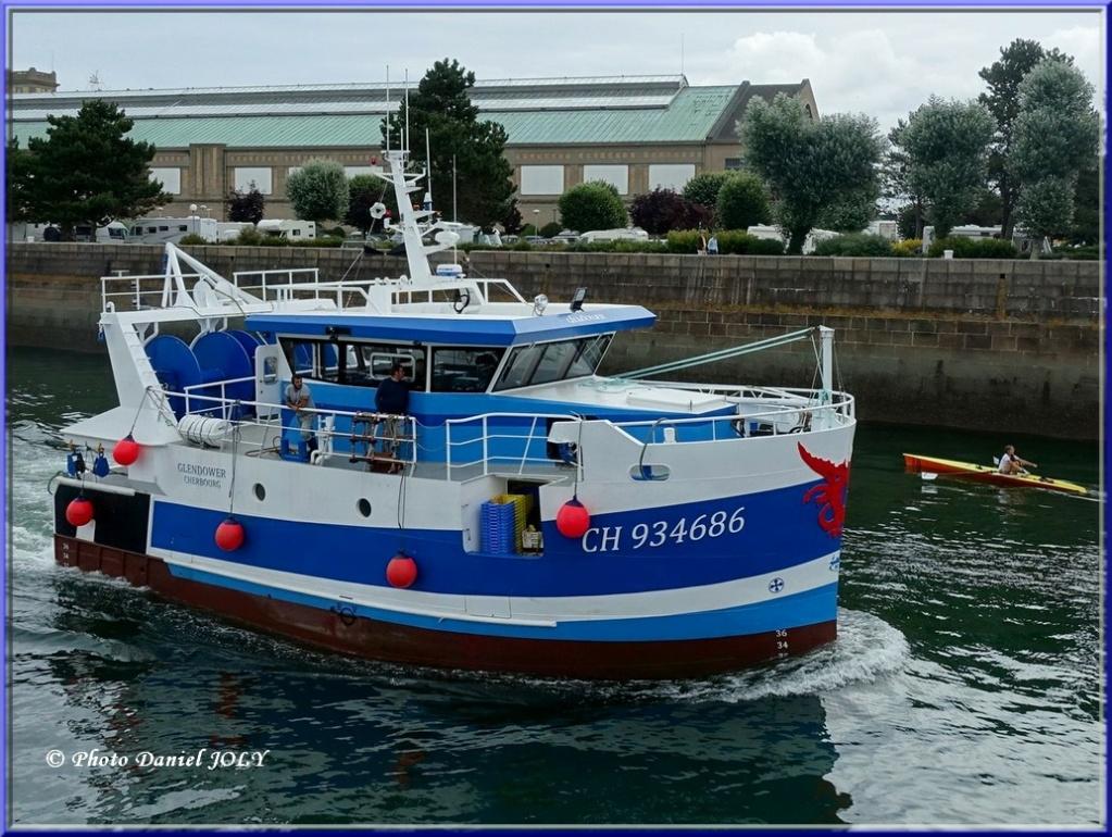 [VIE DES PORTS] Quelques bateaux de pêche (sur nos côtes Françaises) - Page 7 15410