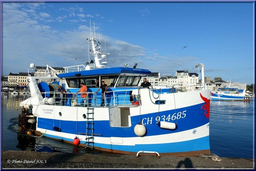[VIE DES PORTS] Quelques bateaux de pêche (sur nos côtes Françaises) - Page 12 1710