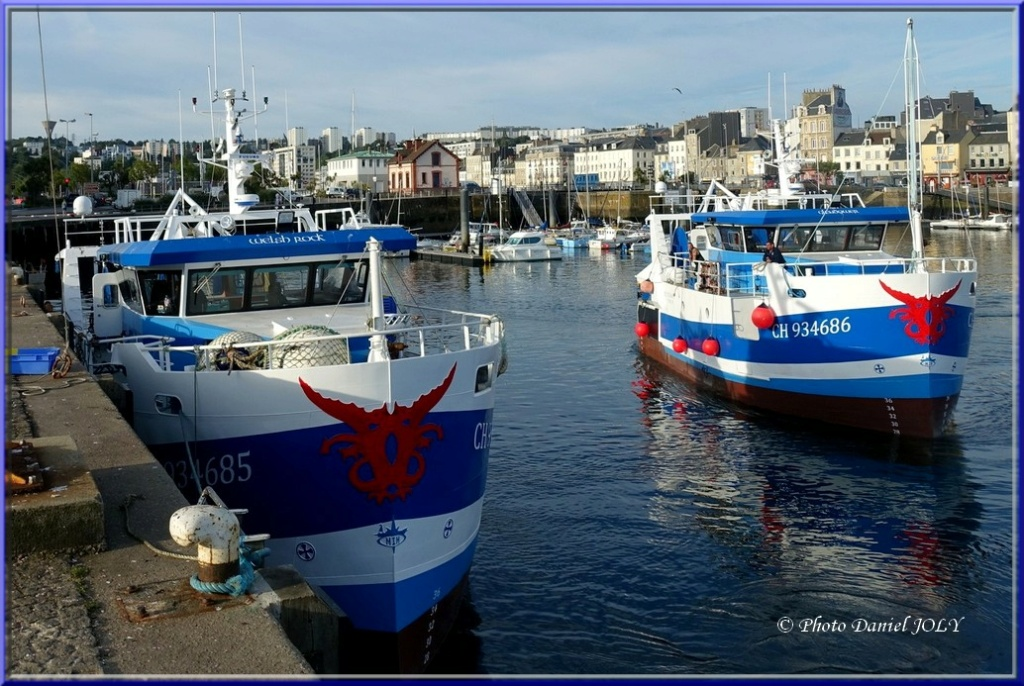 [VIE DES PORTS] Quelques bateaux de pêche (sur nos côtes Françaises) - Page 12 1810