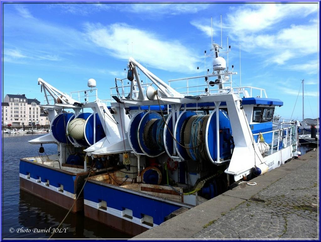[VIE DES PORTS] Quelques bateaux de pêche (sur nos côtes Françaises) - Page 12 2010