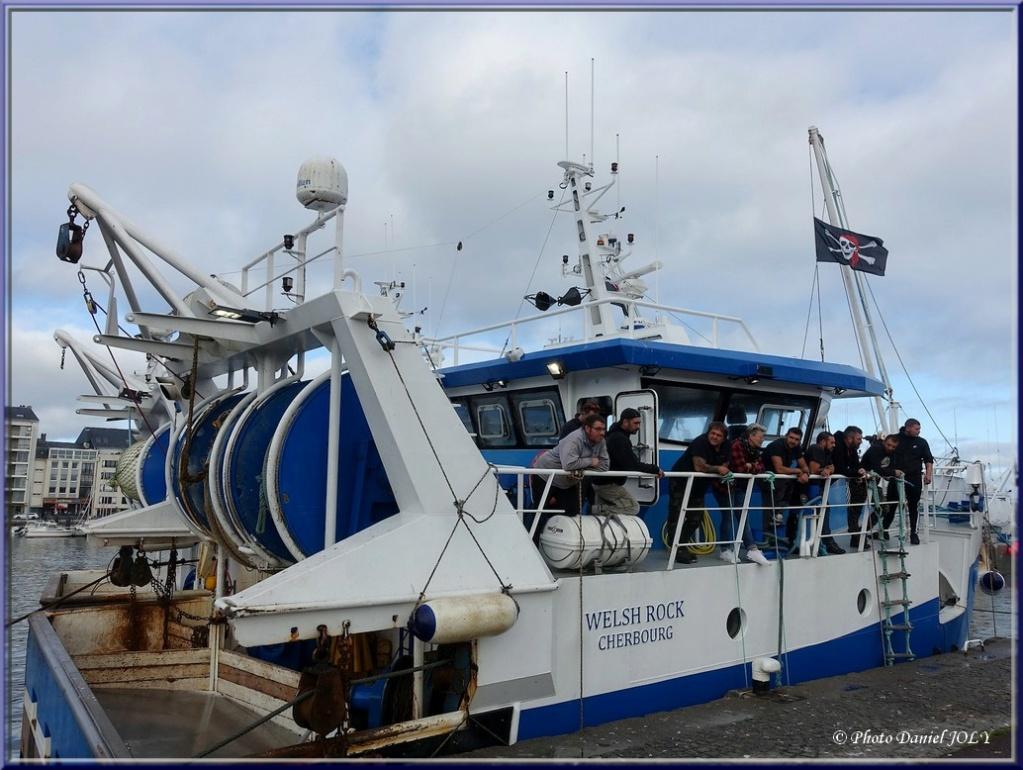 [VIE DES PORTS] Quelques bateaux de pêche (sur nos côtes Françaises) - Page 12 2410