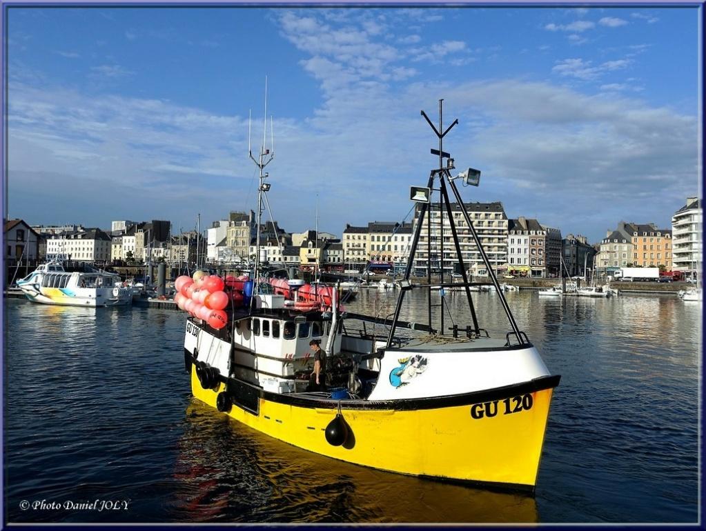 [VIE DES PORTS] Quelques bateaux de pêche (sur nos côtes Françaises) - Page 13 Amanda11