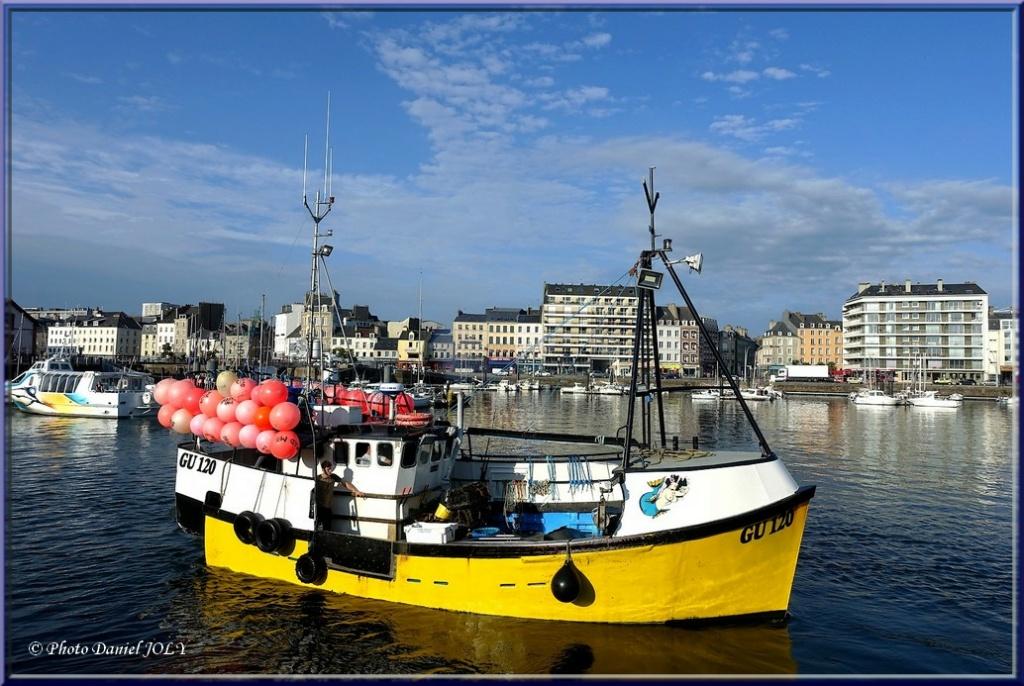 [VIE DES PORTS] Quelques bateaux de pêche (sur nos côtes Françaises) - Page 13 Amanda12