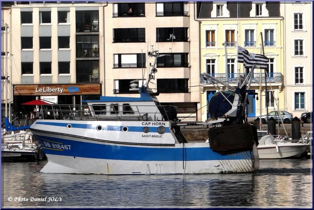 [VIE DES PORTS] Quelques bateaux de pêche (sur nos côtes Françaises) - Page 13 Cap_ho10