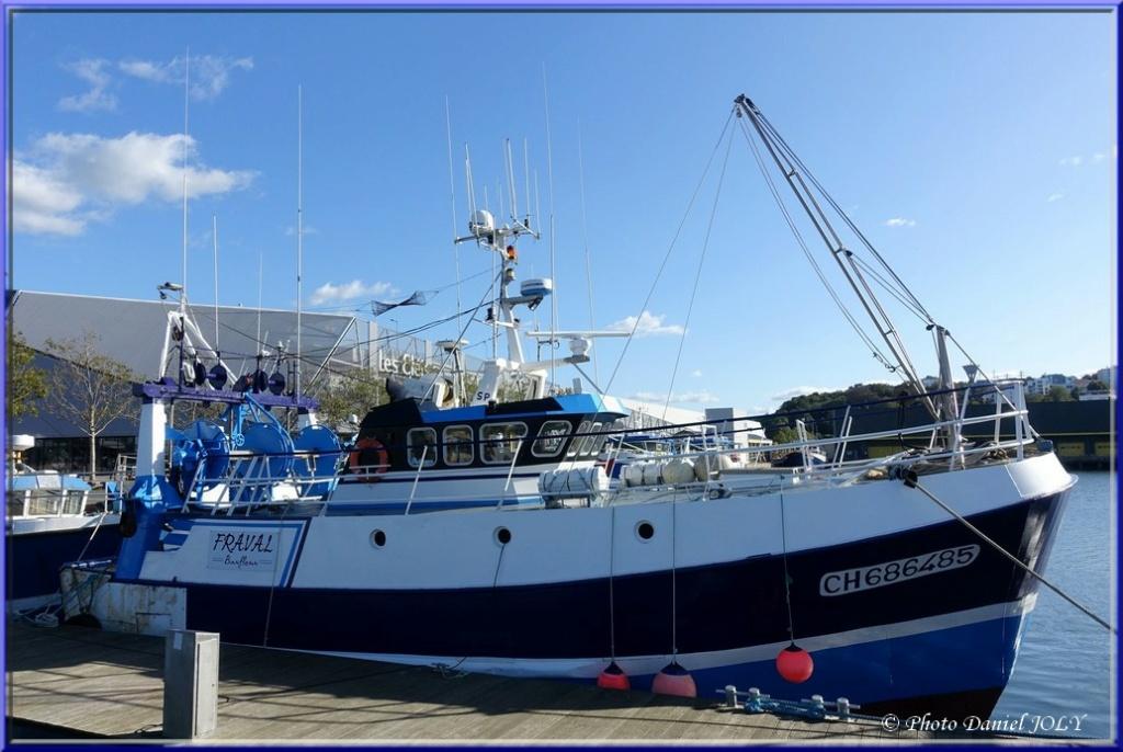 [VIE DES PORTS] Quelques bateaux de pêche (sur nos côtes Françaises) - Page 7 Fraval10