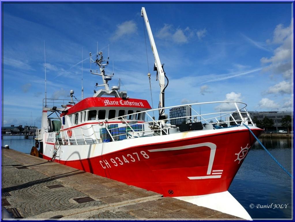 [VIE DES PORTS] Quelques bateaux de pêche (sur nos côtes Françaises) - Page 6 Marie-10