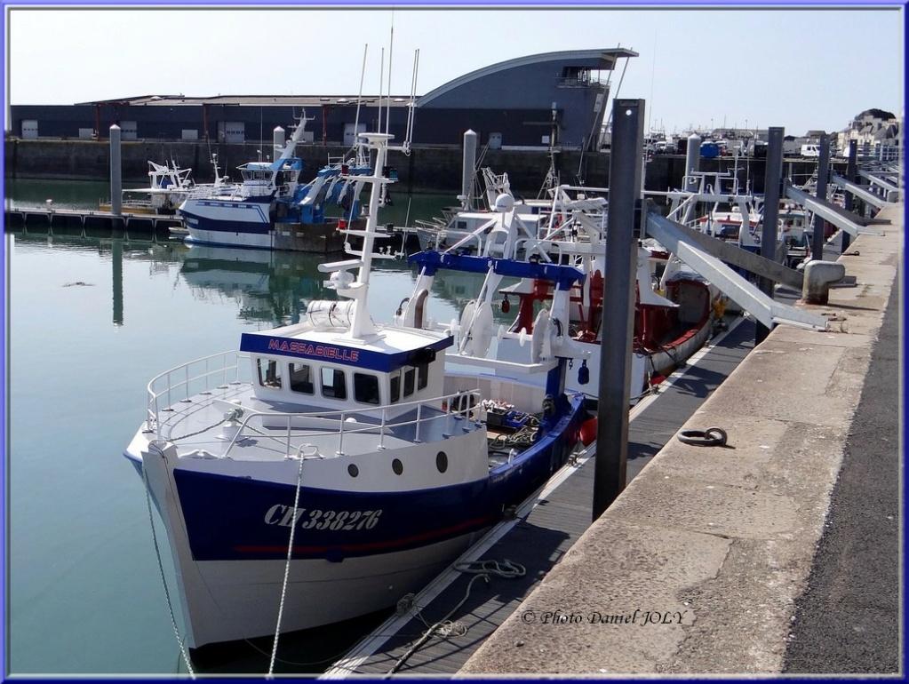 [VIE DES PORTS] Quelques bateaux de pêche (sur nos côtes Françaises) - Page 8 Massab10