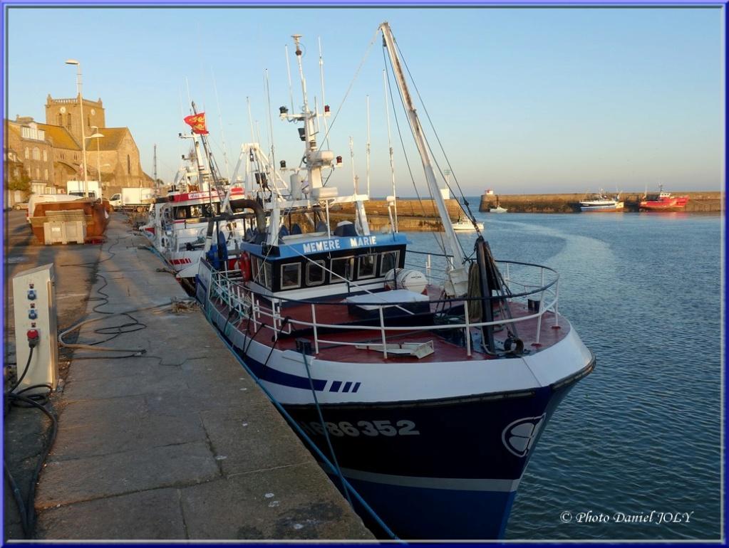 [VIE DES PORTS] Quelques bateaux de pêche (sur nos côtes Françaises) - Page 8 Mzomzo10
