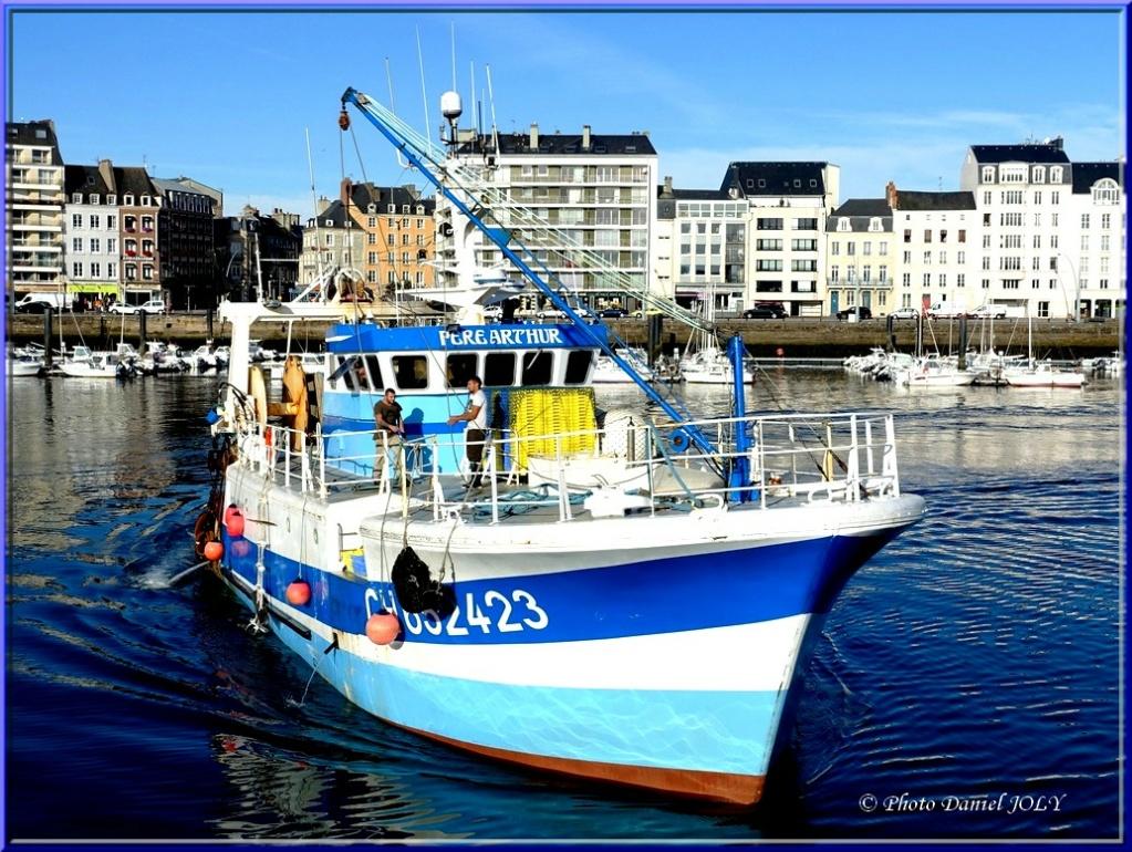 [VIE DES PORTS] Quelques bateaux de pêche (sur nos côtes Françaises) - Page 6 Pzore_10