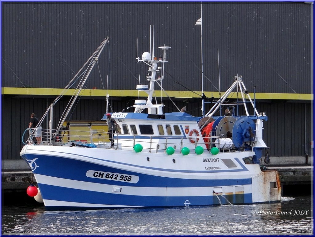 [VIE DES PORTS] Quelques bateaux de pêche (sur nos côtes Françaises) - Page 7 Sextan10