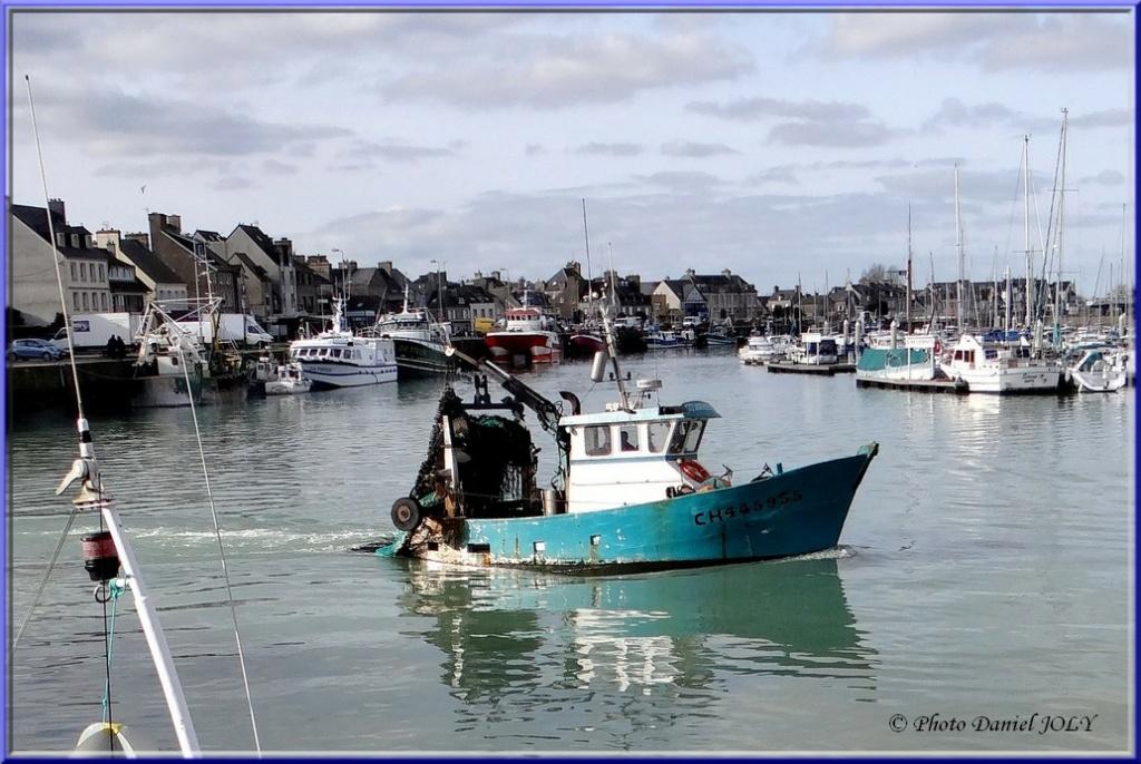 [VIE DES PORTS] Quelques bateaux de pêche (sur nos côtes Françaises) - Page 8 Tomaha10