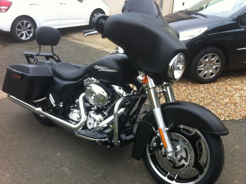 combien de STREET GLIDE  sur le forum Passion-Harley Img_2010