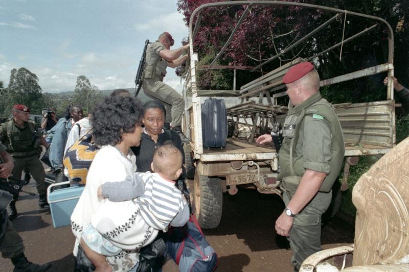 """Opération """"Amaryllis"""" -l'évacuation des ressortissant français et étrangers du Rwanda 01-94-18"""