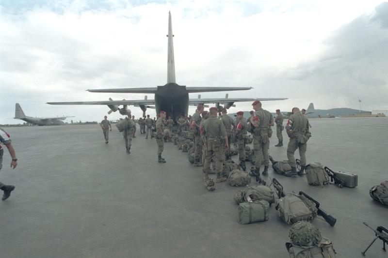 """Opération """"Amaryllis"""" -l'évacuation des ressortissant français et étrangers du Rwanda 01-94-21"""