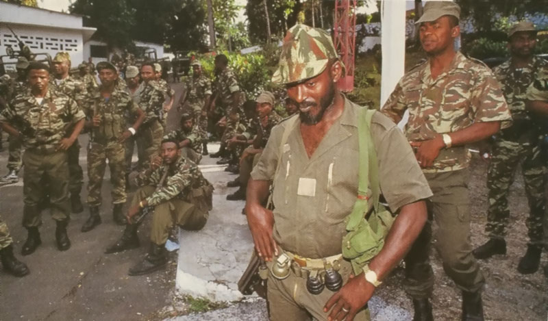 DENARD Bob olonel Comores 1995 dernier baroud 2_a_co11