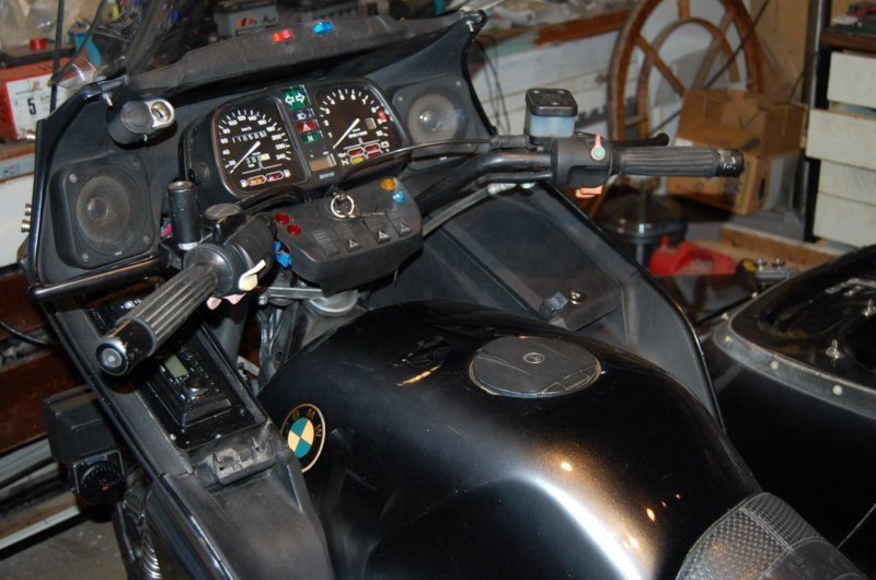 Can I fit a radio to my 1990 K100 RS 16V? Dsc_2412