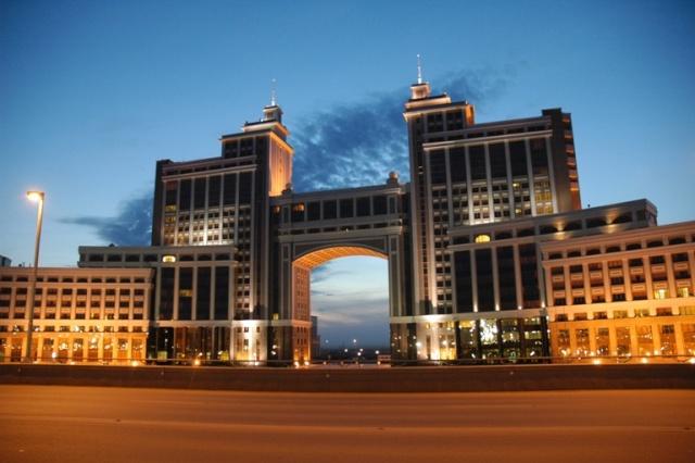 [KAZAKHSTAN] - Astana, la Dubaï d'Asie Centrale Pic_3911