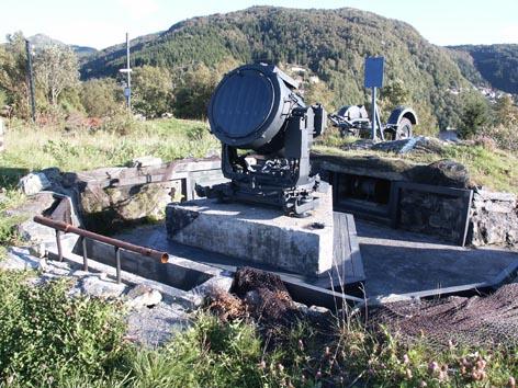 bunker - Bunker et projecteur - Page 2 Hkb_te10