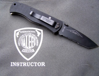 TACTICAL FOLDING KNIVES: A subjective view Cqc7__11