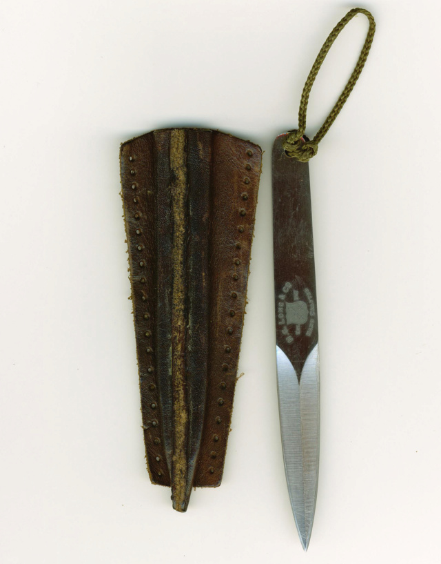 THE LAPEL DAGGER OF WW-2 Soe_la10