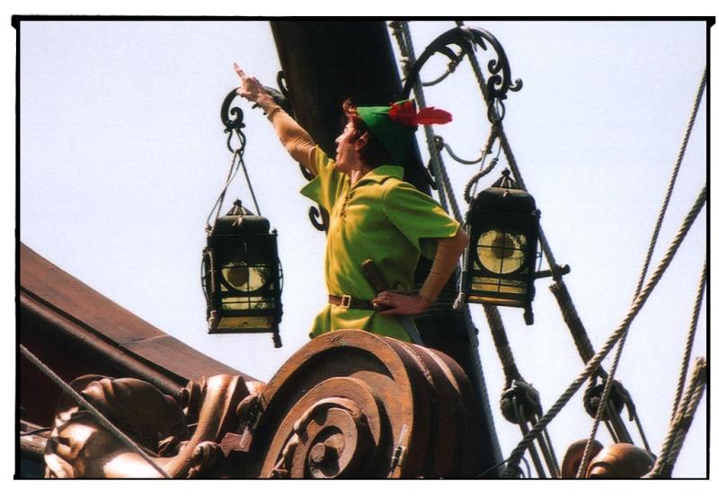 [Livre] La Peau de Peter (2011) - Témoignage de Thibaut, ancien Cast Member de Disneyland Paris Pp1910