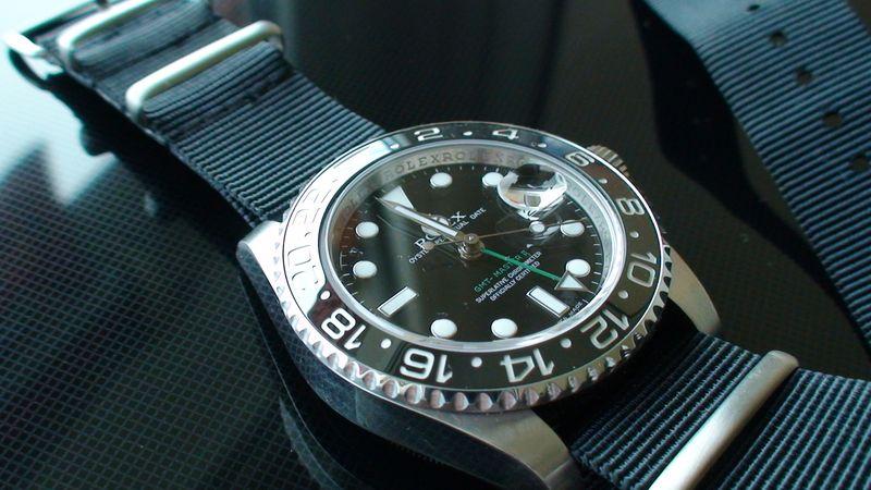 Quel bracelet pour la plongée ? - Page 2 Dsc00620