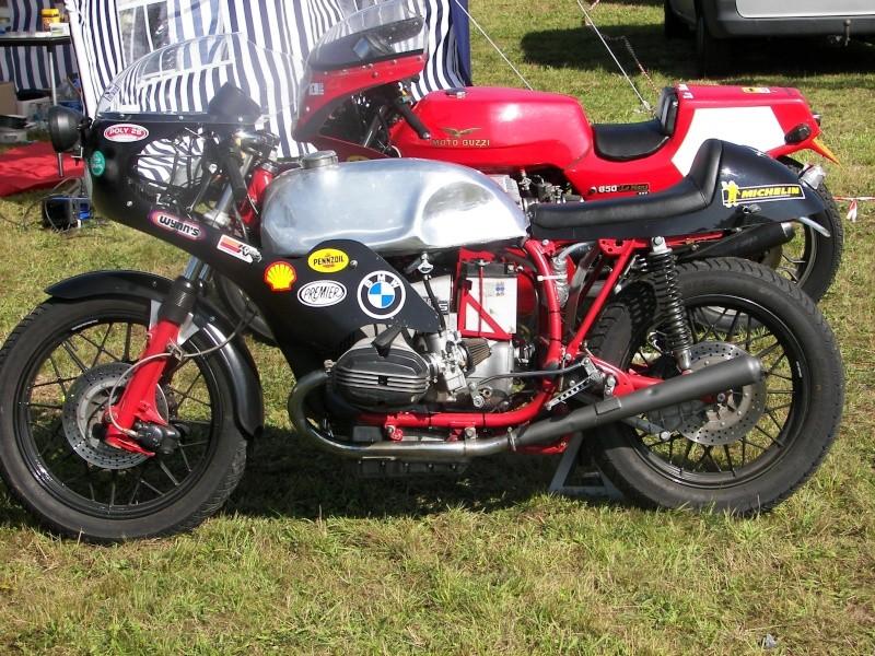C'est ici qu'on met les bien molles....BMW Café Racer - Page 5 100_8310