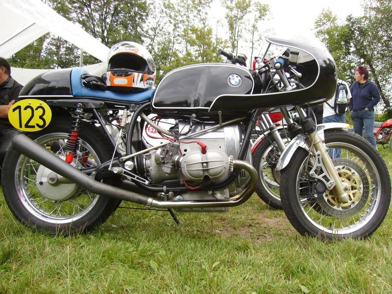 C'est ici qu'on met les bien molles....BMW Café Racer - Page 5 18689310