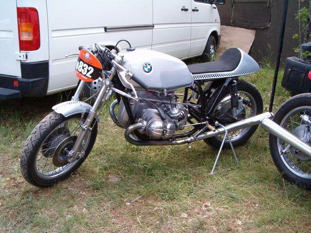 C'est ici qu'on met les bien molles....BMW Café Racer - Page 5 219_ml10