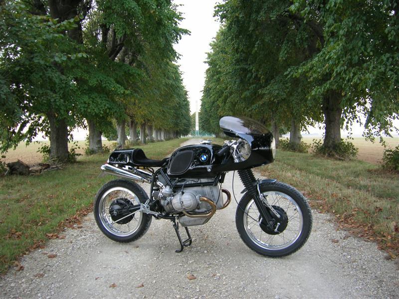 C'est ici qu'on met les bien molles....BMW Café Racer - Page 5 52997810