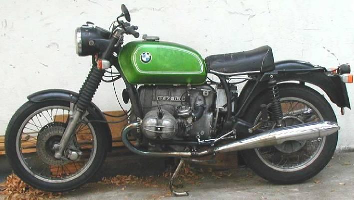 C'est ici qu'on met les bien molles....BMW Café Racer - Page 5 75_5le10