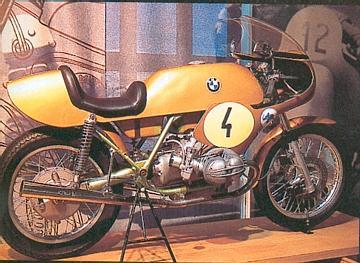 C'est ici qu'on met les bien molles....BMW Café Racer - Page 5 90scom10