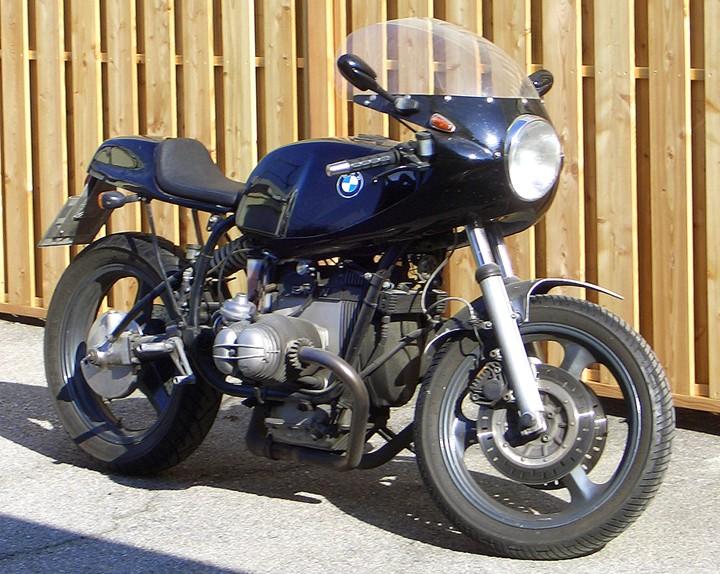 C'est ici qu'on met les bien molles....BMW Café Racer - Page 4 _0091010