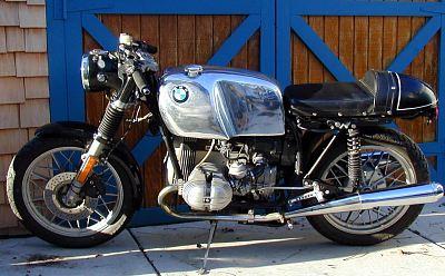 C'est ici qu'on met les bien molles....BMW Café Racer - Page 5 Bmw_bi10