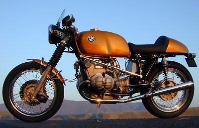 C'est ici qu'on met les bien molles....BMW Café Racer - Page 6 Bmw_or10