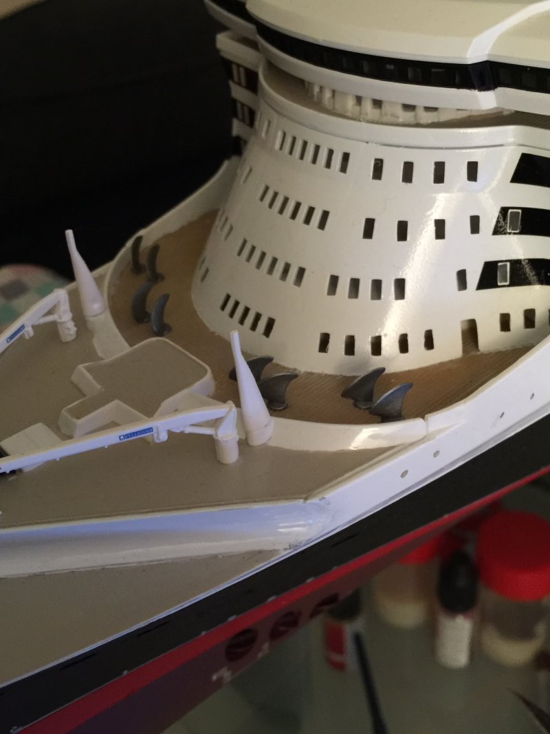 construction du queen mary 2 au 1/400 de chez revell - Page 10 Img_1111