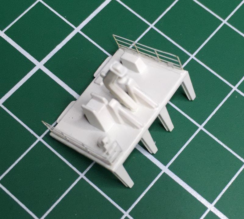 construction du queen mary 2 au 1/400 de chez revell - Page 10 Img_1119
