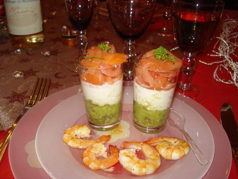 Verrines aux avocats , tomates et saumon Dsc02628