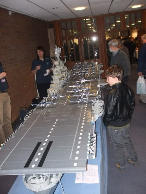 navires reproduits en lego Modelw11