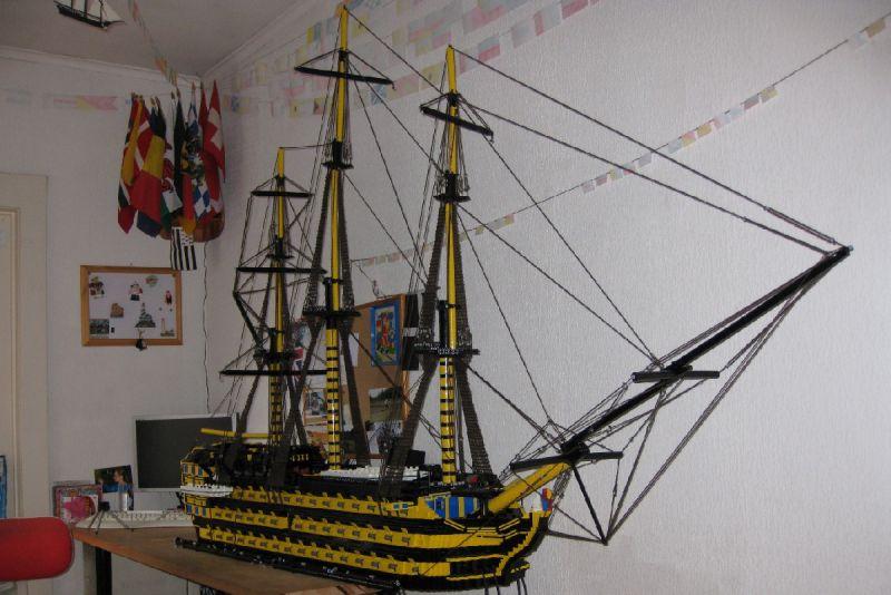 navires reproduits en lego Victor10